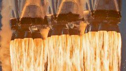 SpaceX за пореден път успешно изстреля най-мощната ракета в света