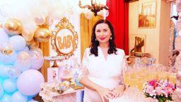 Бременната Кобилкина празнува бебешко парти и рожден ден на Такис