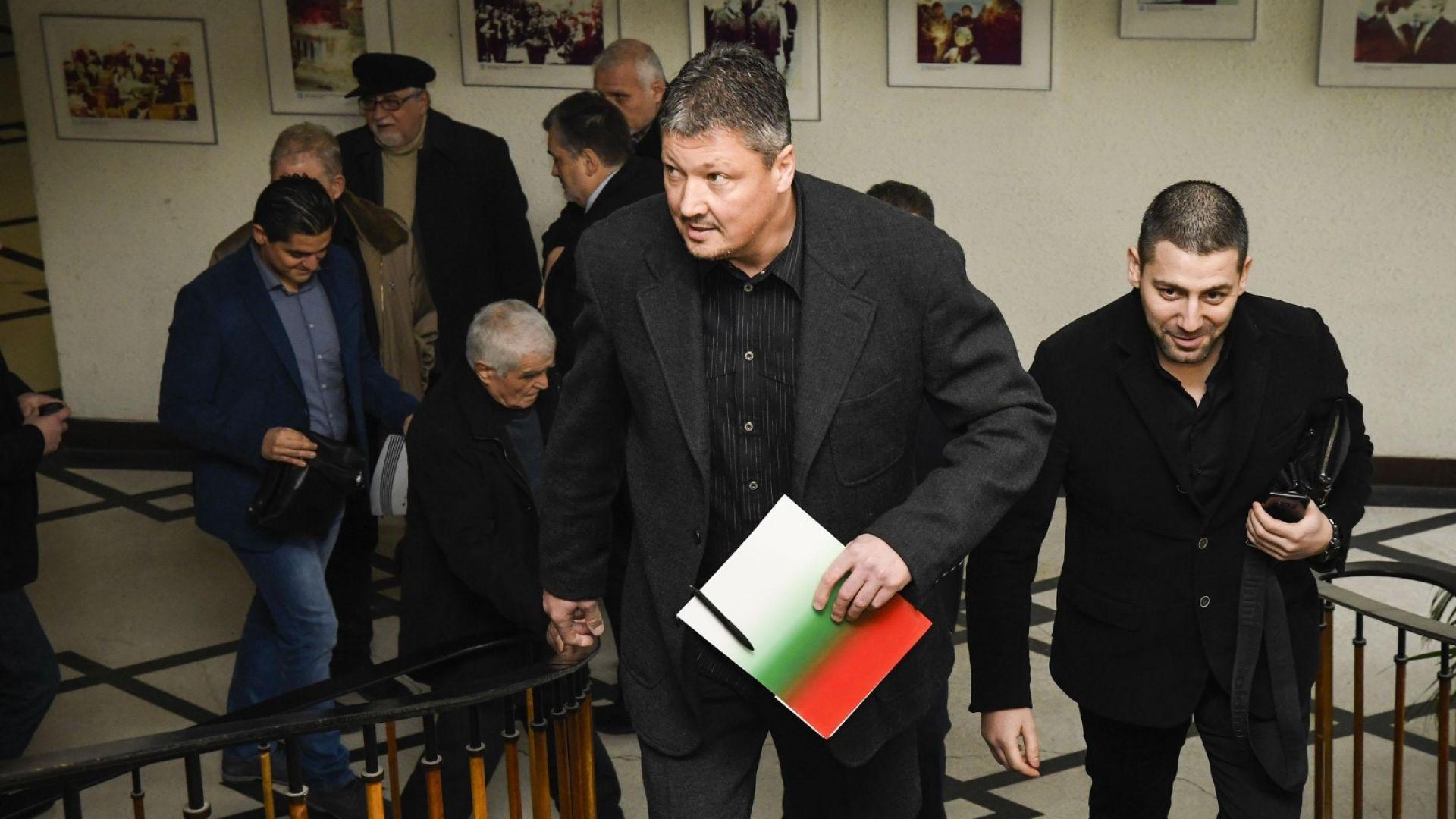 Любослав Пенев атакува БФС с две нови дела
