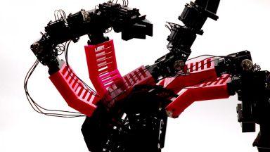 Учени изобретиха робот със самосъзнание