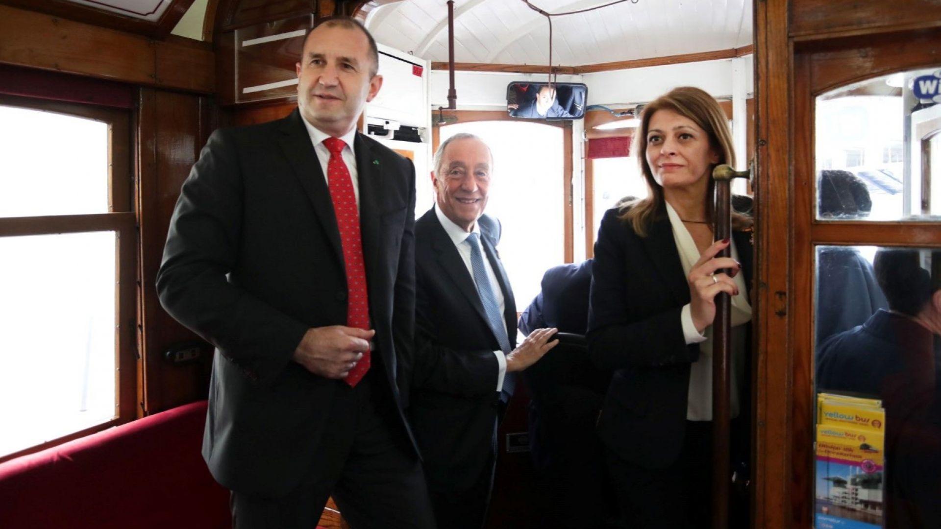 Румен Радев и Десислава Радева пътуваха с трамвай в Лисабон