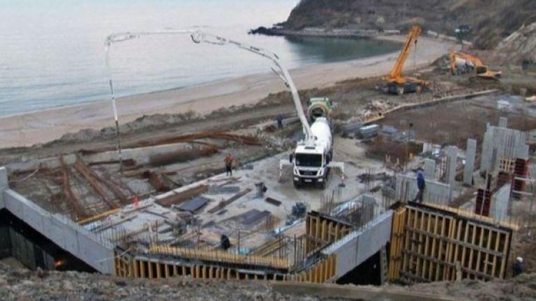 """Би Би Си: Българите осъждат """"екологичния вандализъм"""" по крайбрежието"""