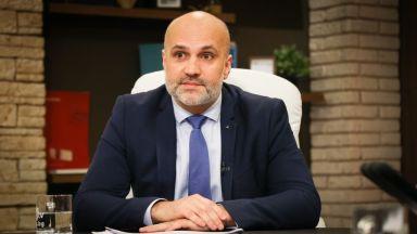 Чиновникът от МОН: Ангелов ме притискаше за 2 проекта за общо 83 млн. лв.