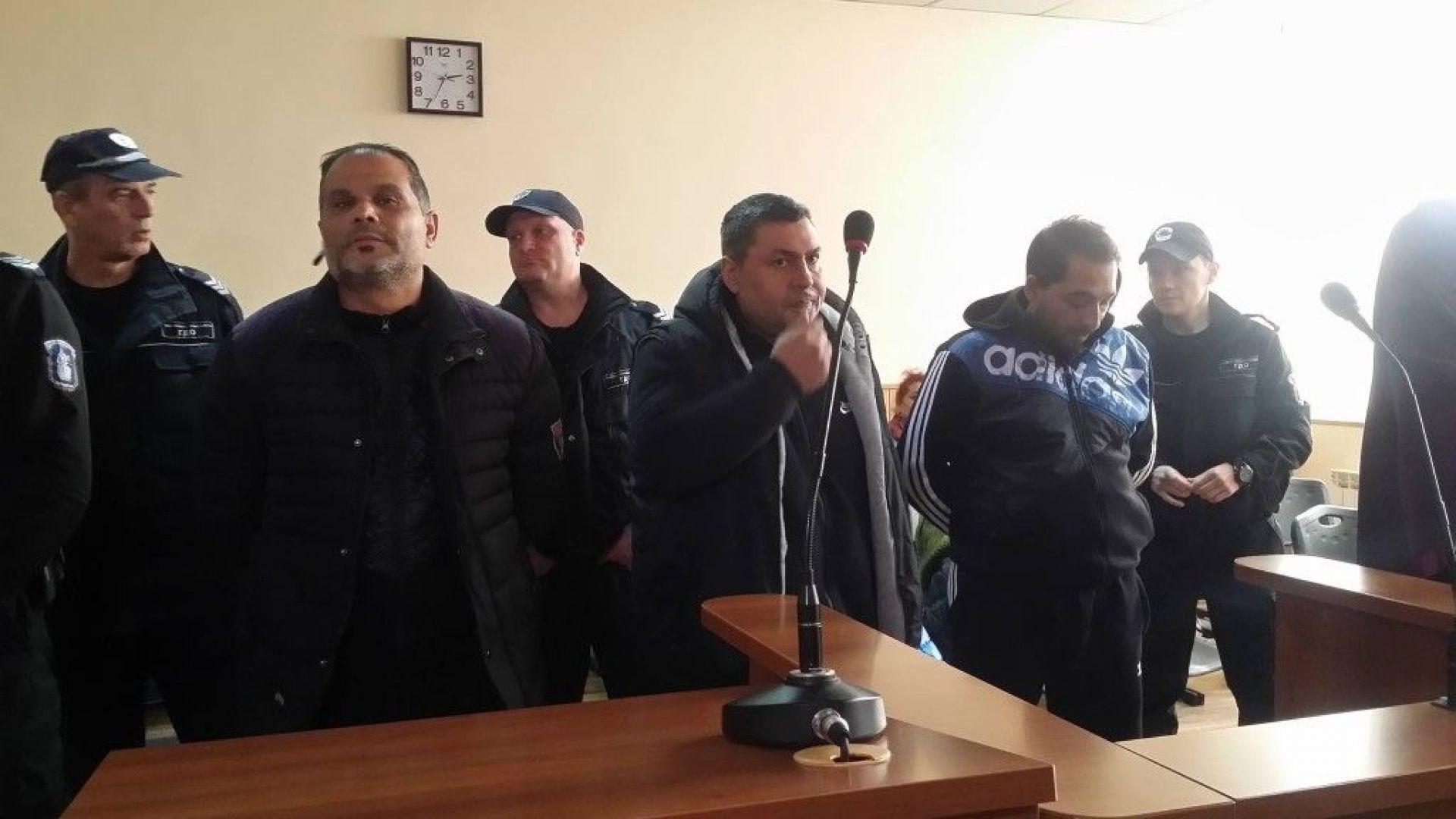 Тримата наркопласьори от Столипиново остават в ареста