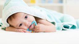 Fab Mama: Да се събудим от кошмара на първите бебешки зъбки