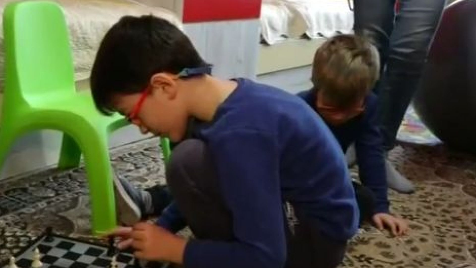 Животът на братчета от Русе зависи от 60 хил. долара
