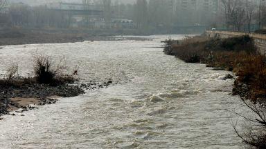 Река Чая може да залее Катуница заради поддала стена