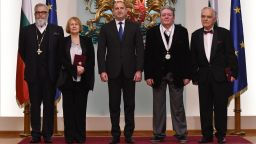 Президентът Румен Радев удостои културни дейци с висши държавни отличия