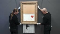Самонарязалото се произведение на Банкси беше изложено в Германия