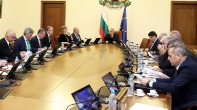 Премиерът събра извънредно Съвета за сигурност заради Венецуела
