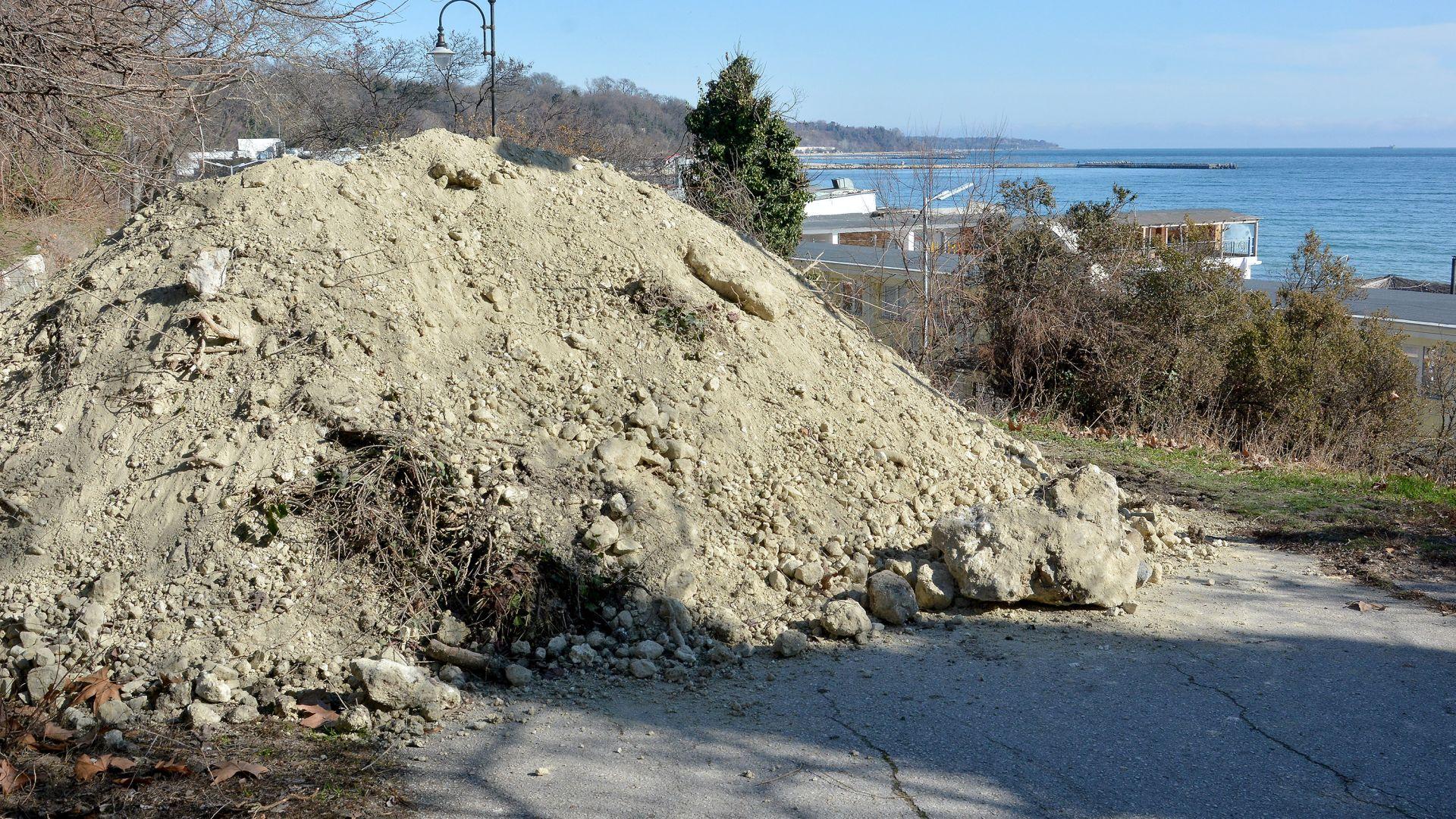Естакада ще отвори крайбрежния път Варна-Златни пясъци