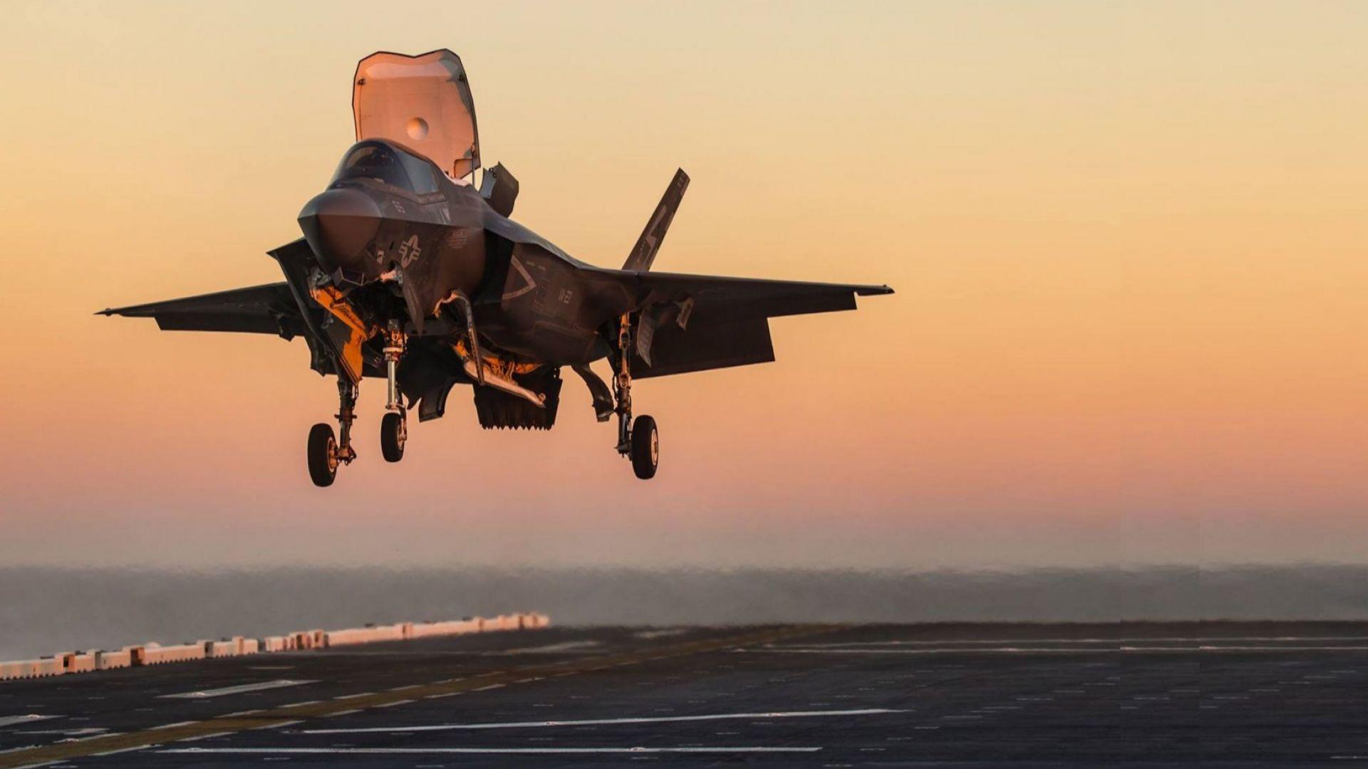 Нови проблеми с най-скъпия самолет в света