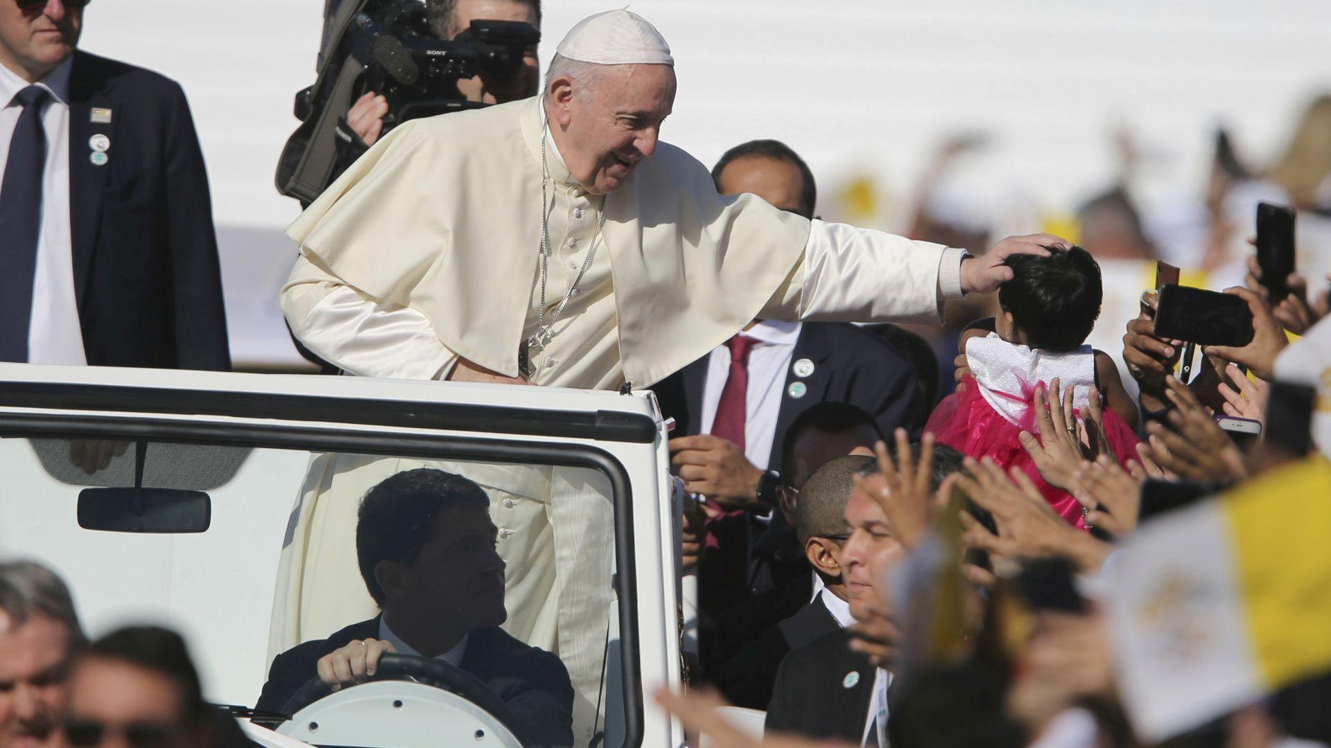 Папата съгласен да стане посредник в кризата във Венецуела
