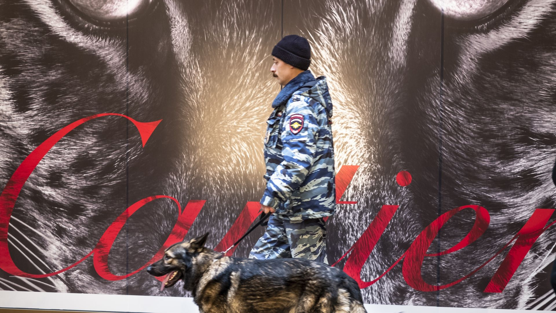 Бомбени заплахи евакуираха над 50 000 души в Москва