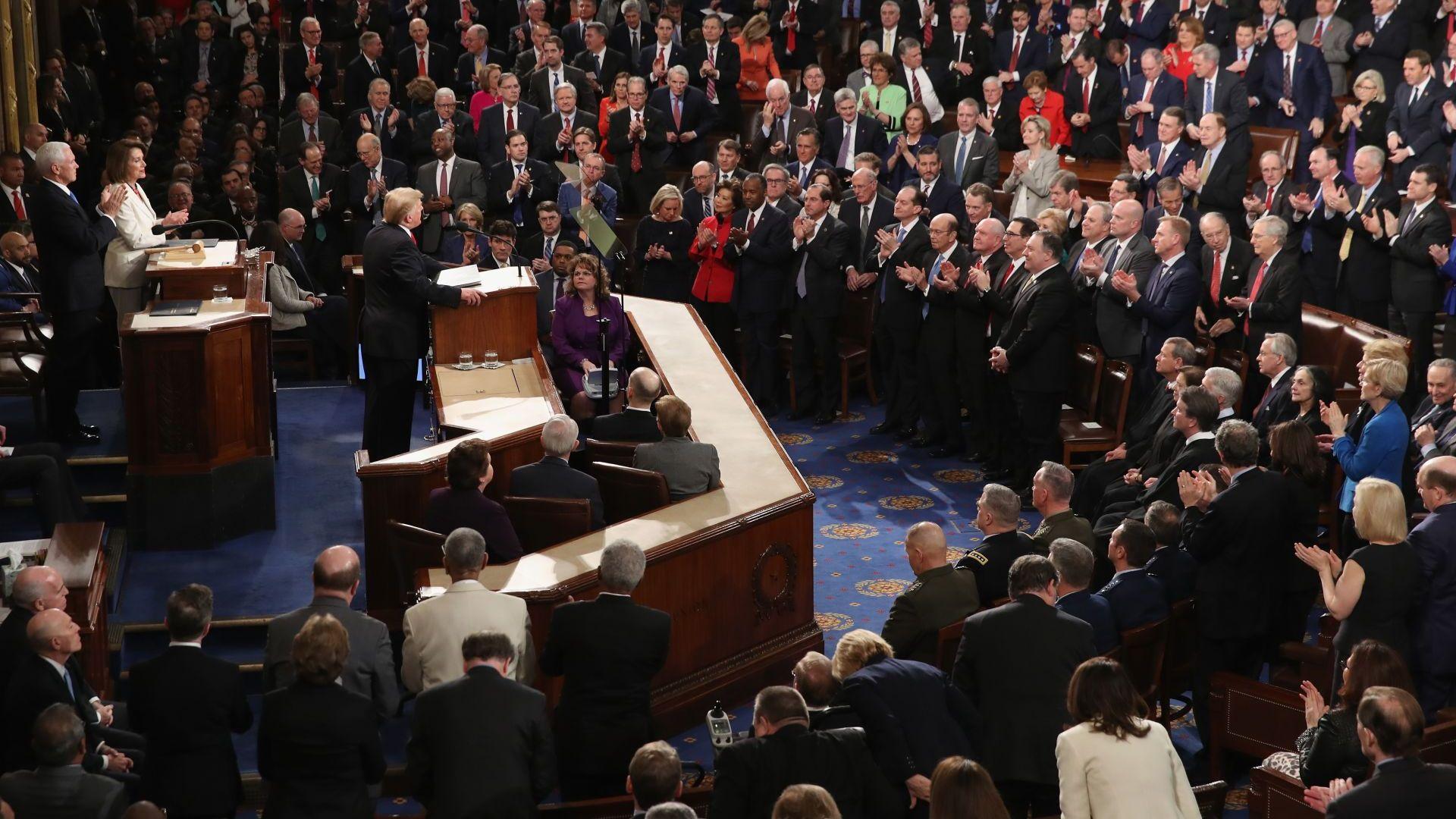 Тръмп изправи на крака  Конгреса: САЩ никога няма да бъде социалистическа страна (видео)