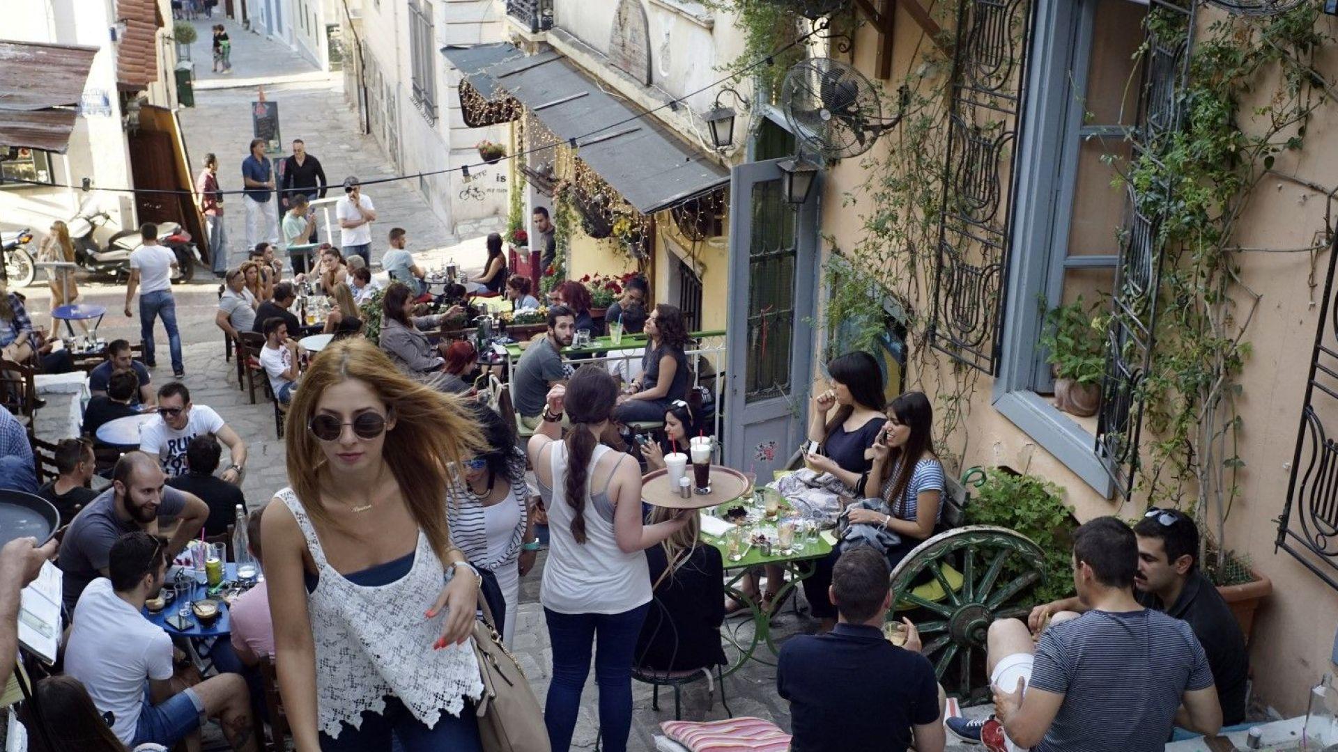 """""""Споделените жилища"""" в Гърция печелят близо 2 милиарда евро годишно"""