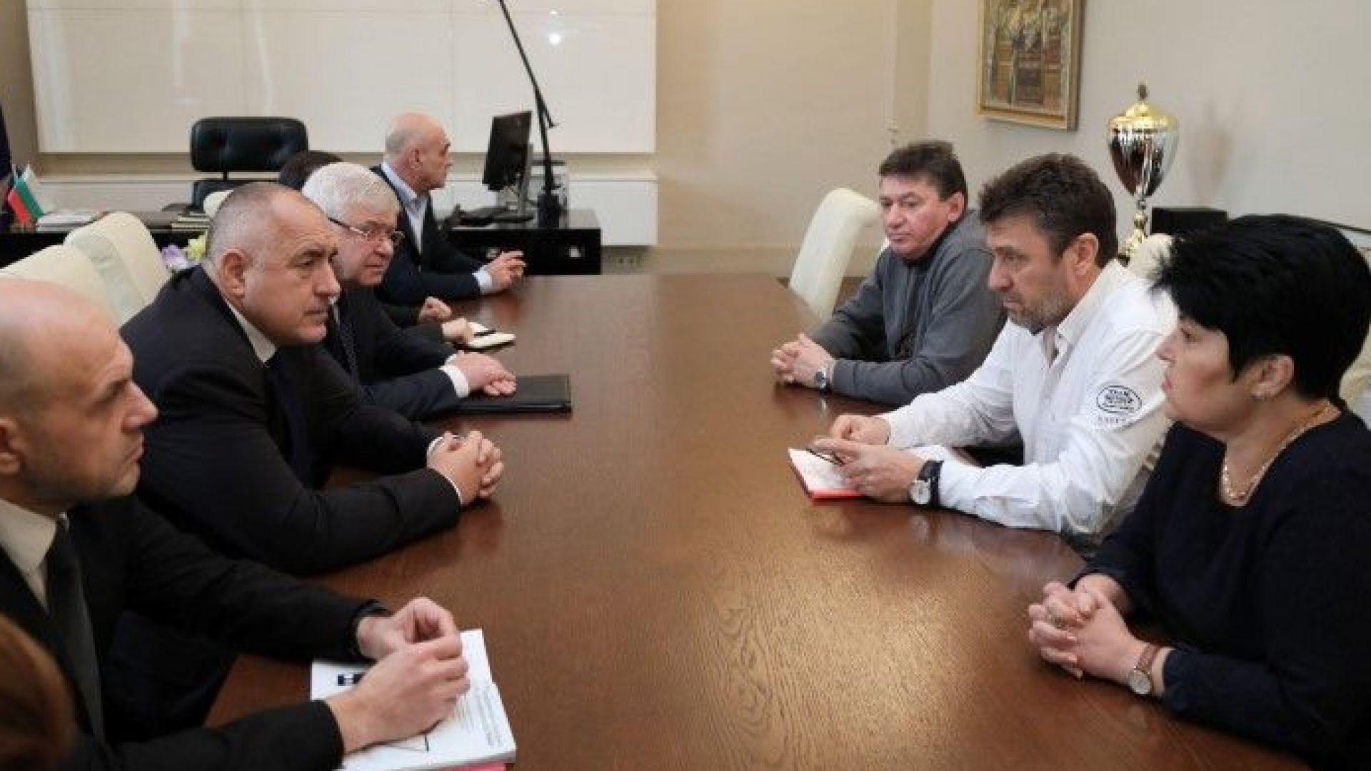 Борисов: Болници в мое управление няма да закрия, искам решение