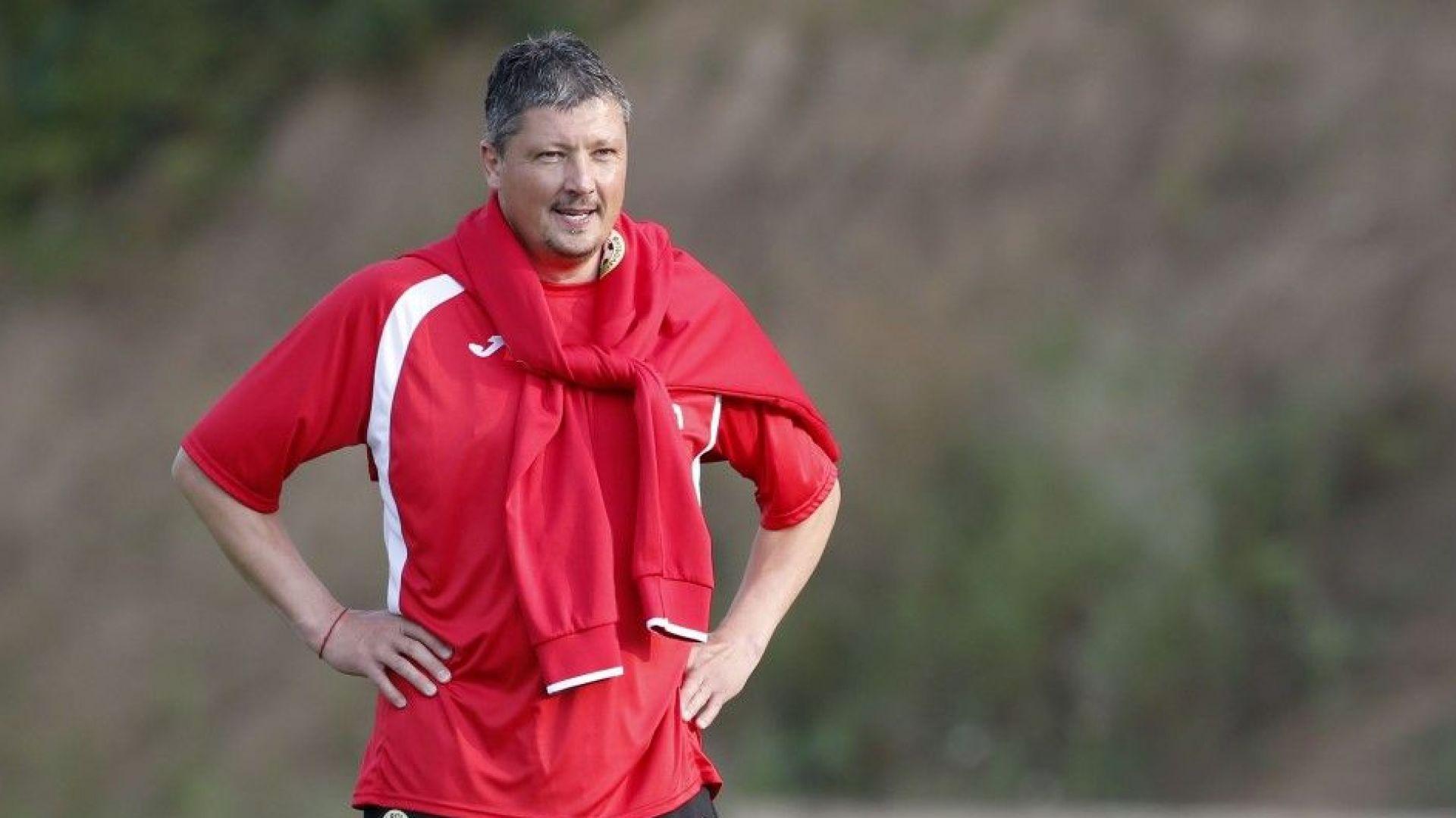 ЦСКА сменя треньора, завръща се легендата Любослав Пенев