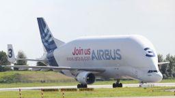 """Акциите на """"Еърбъс"""" скочиха с 2% след поръчка за 300 самолета от Китай"""