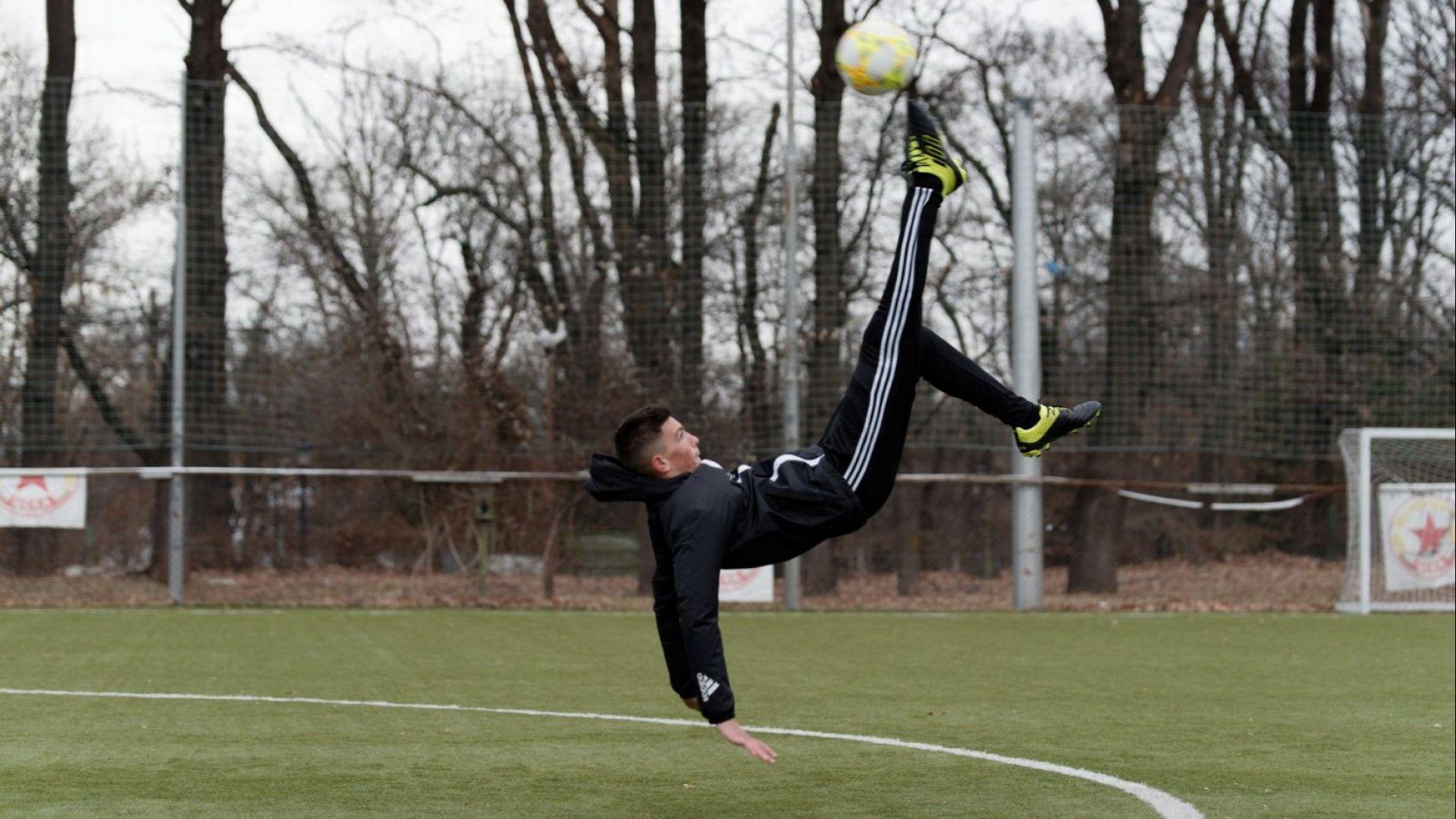 Талантливият Марк-Емилио Папазов иска да играе срещу силни съперници