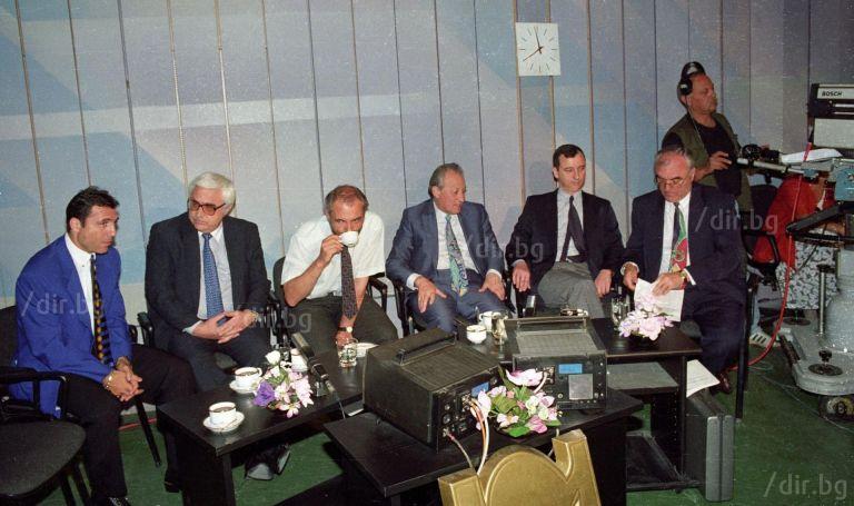 """Преди участие в предаването """"Всяка неделя"""" с ключови фигури на 90-те години в политическия и обществен живот на България"""