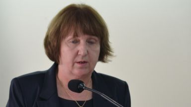 Окончателно: Шефката на ТЕЛК-Ловеч остава в ареста, ще се лекува там