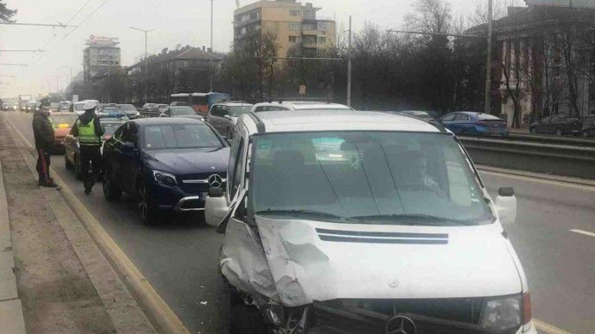 """Десислава Плевнелиева е шофирала джипа, блъснат на """"Цариградско шосе"""""""