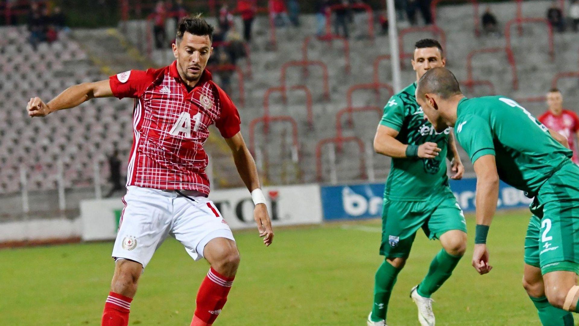 Станислав Манолев изхвърча от ЦСКА още в първия ден на Пенев