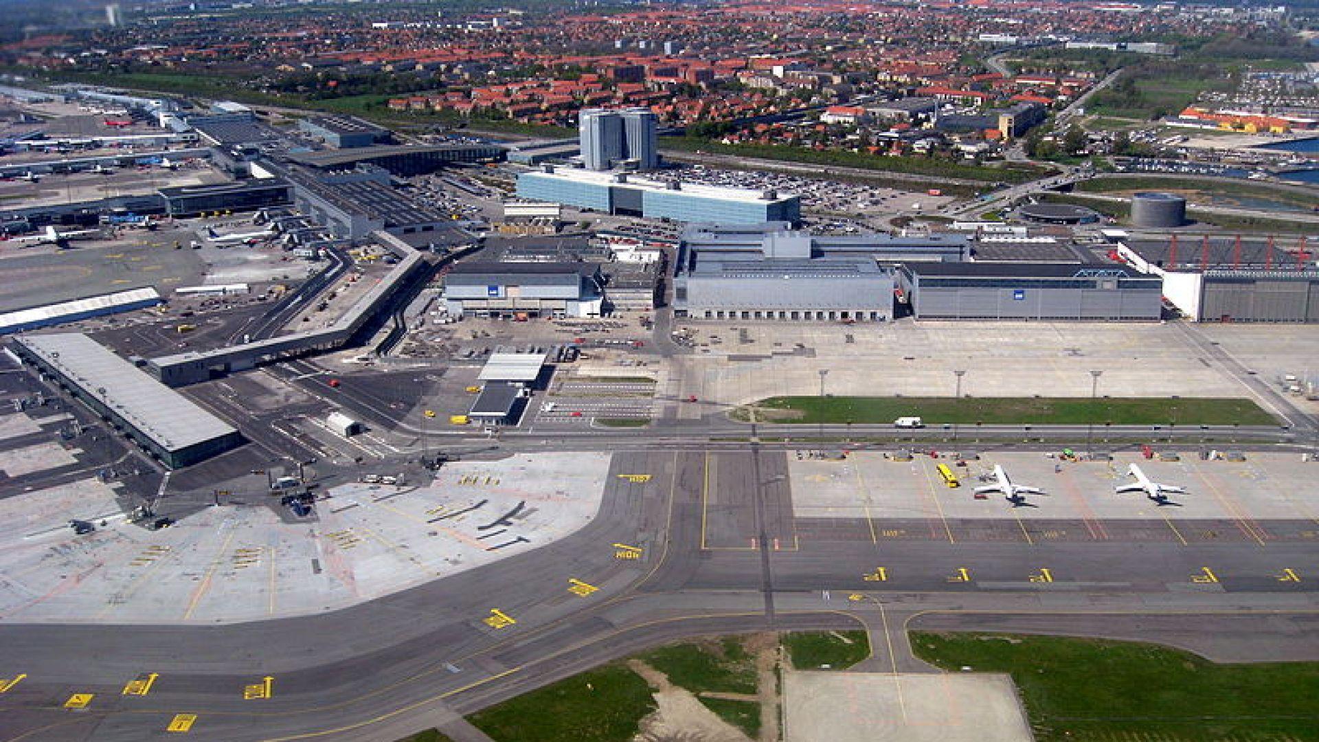 Полицаи свалиха българин от самолет на летището в Копенхаген