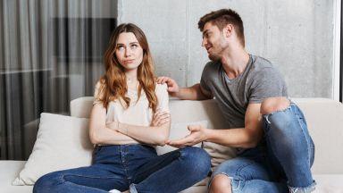 Какво ни спира да започнем връзка (или причините да я саботираме)
