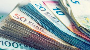В Брюксел подписаха регламент за таксите на банковите преводи