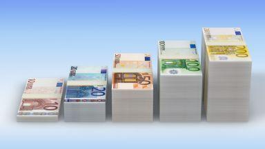 Богатите в България се увеличиха с 2000 души за година