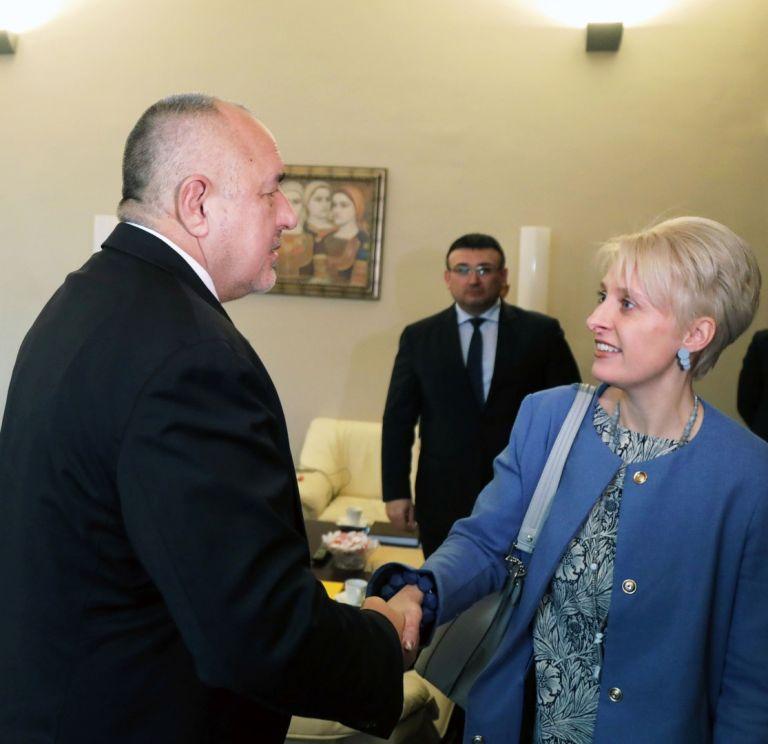 Бойко Борисов посрещна Ема Хопкинс