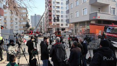 Събарят осем блока в района на рухналата сграда в Истанбул