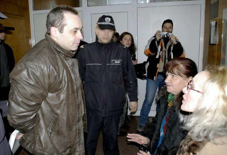 Една от първите адвокати на Влаев е Рени Цанова /вдясно/