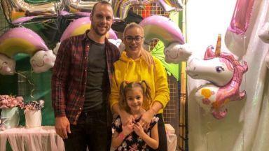 Жени и Ваня Джаферович отпразнуваха първите 7 на дъщеря си