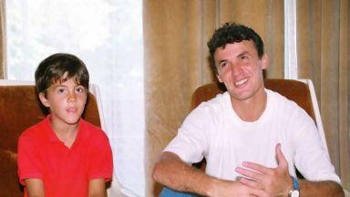 Николай Михайлов поздрави баща си за ЧРД по специален начин