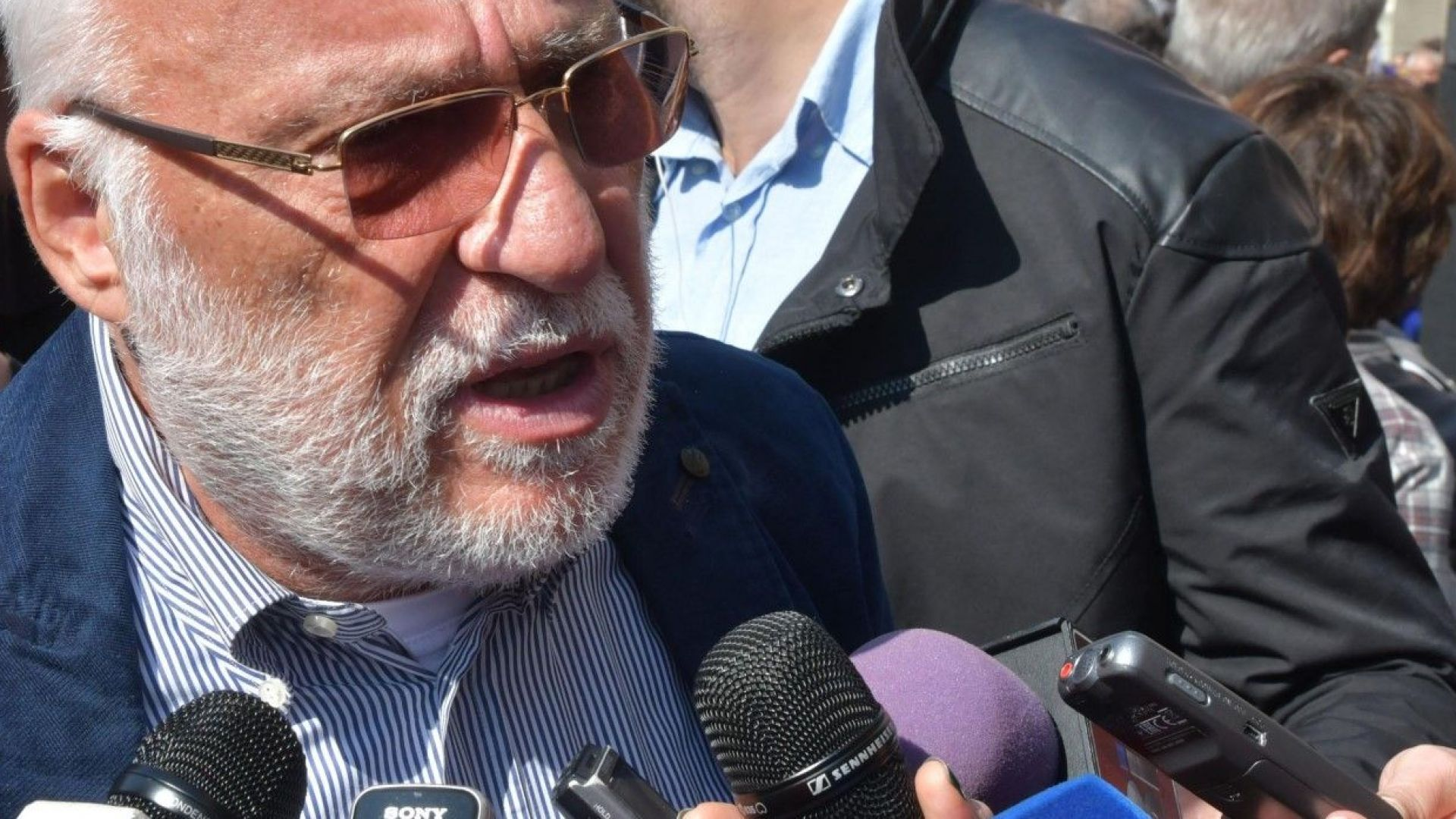 Чехия потвърди: Гебрев е оръжейният търговец, чиято стока е била мишена на Русия