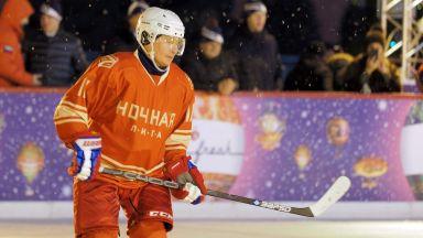Путин се пошегува, че ще става хокеист