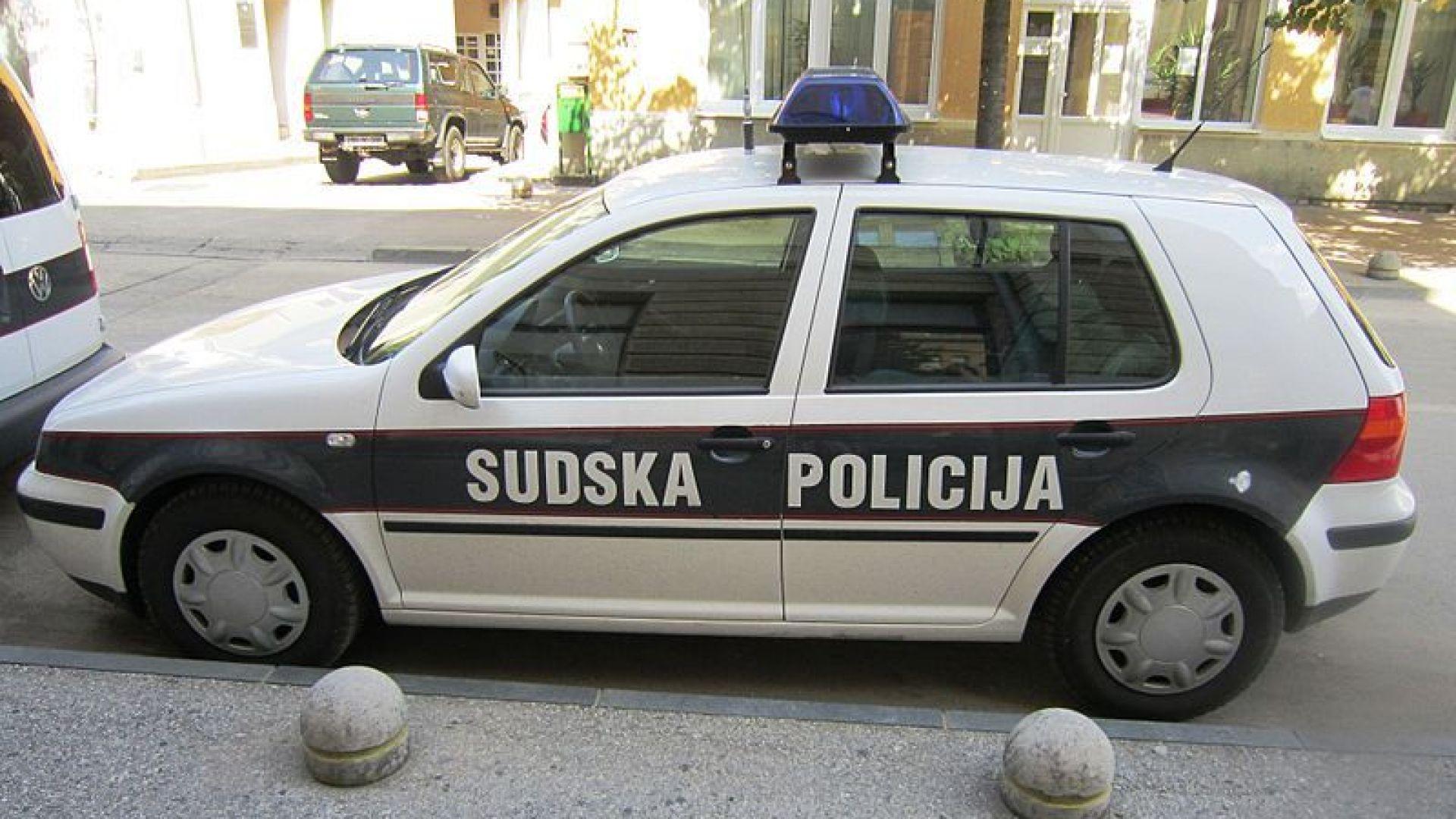 Полицаи ликвидираха най-издирвания престъпник в Босна в престрелка