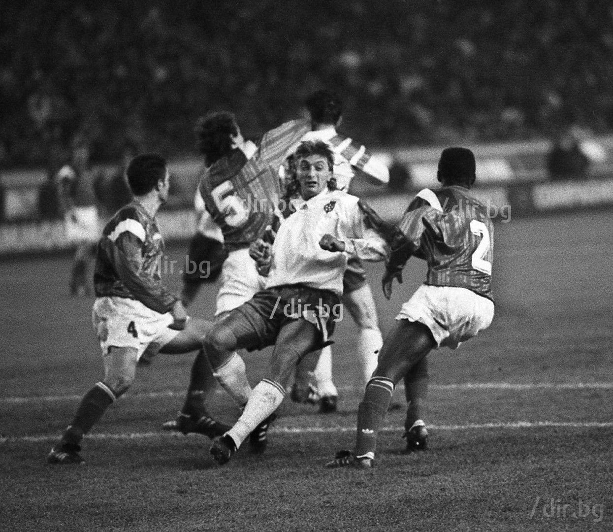 """Във великия мач на """"Парк де Пренс"""" срещу Франция, 1993 г."""