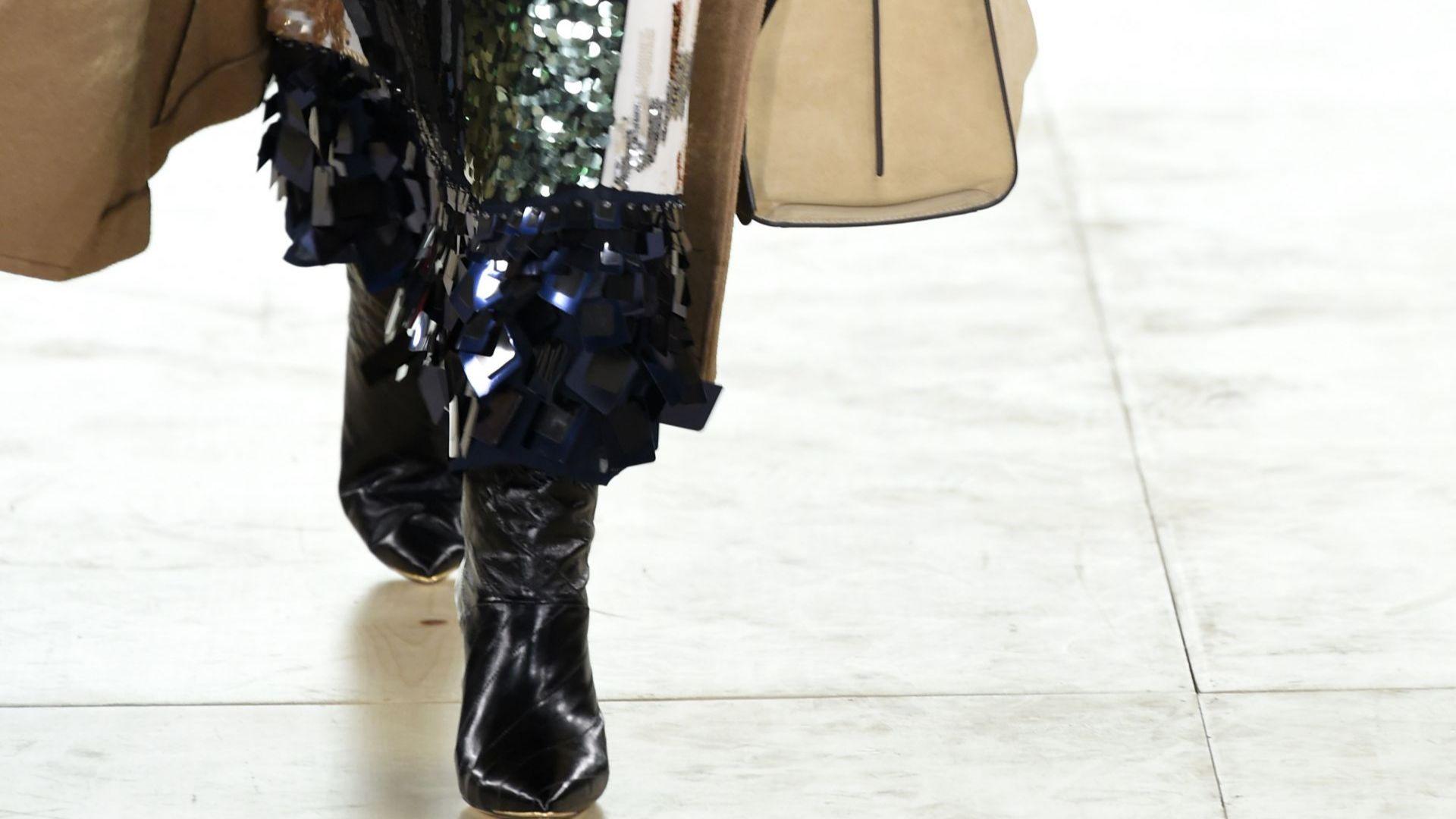Тори Бърч представи ежедневни модели, вдъхновени от колежанските ѝ години