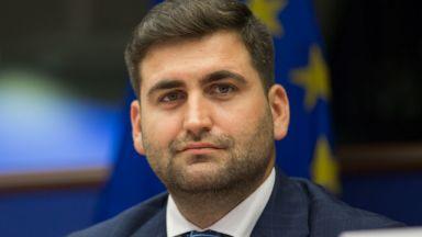 Андрей Новаков: Борисов не е вкопчен да изкара мандата, тежи му, че българите се делят