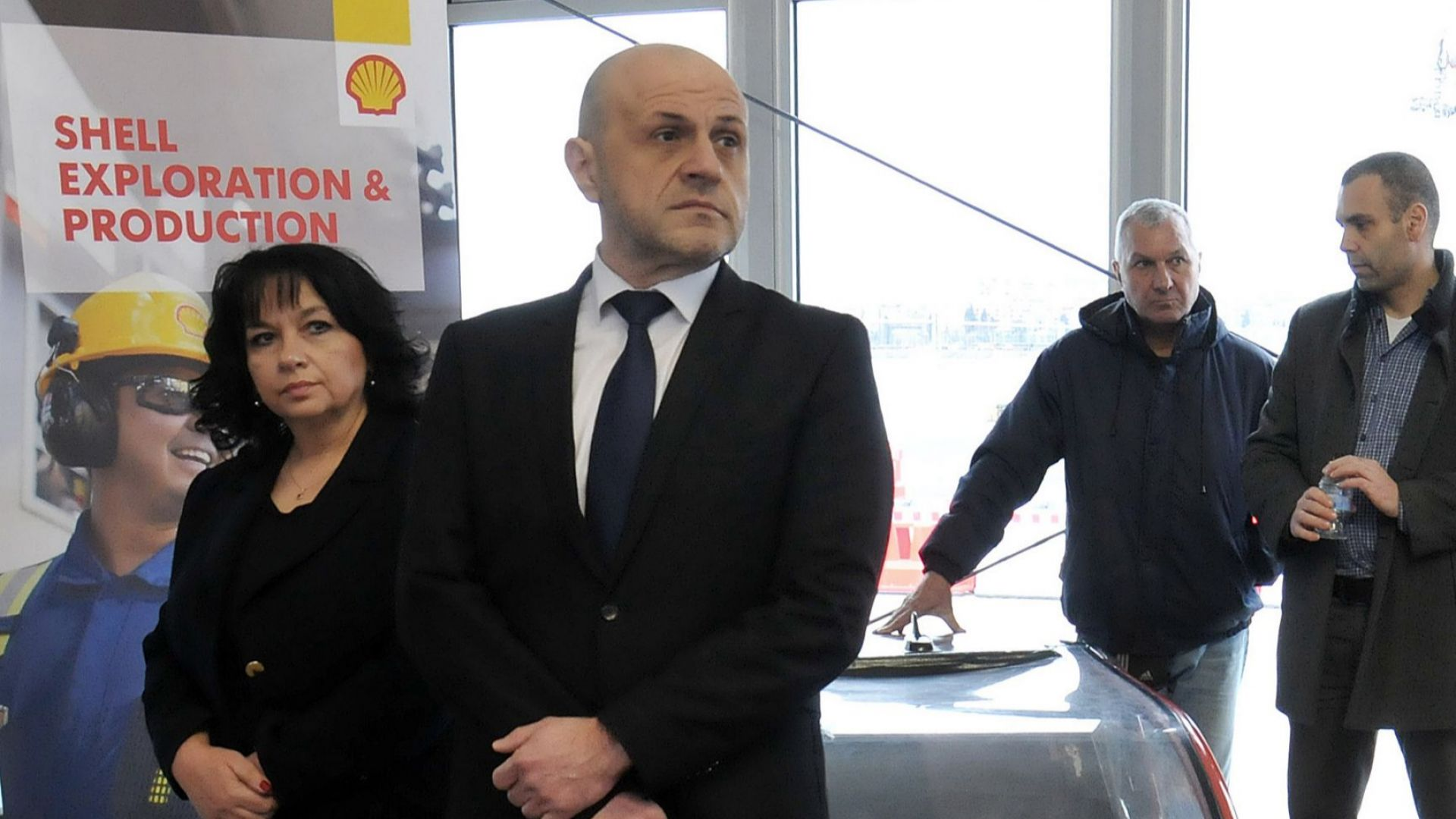 Правителството подкрепя проучванията за нефт и природен газ в Черно море