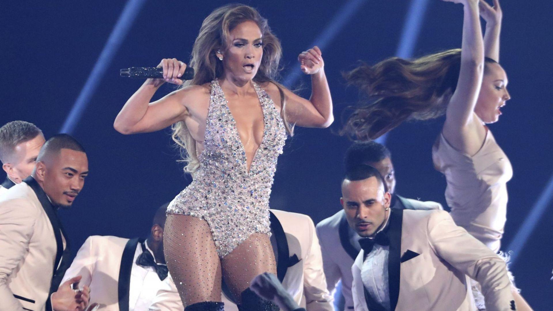 Дженифър Лопес тръгва на турне за 50-ия си рожден ден