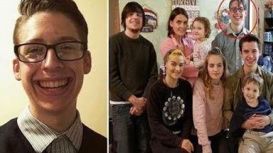 Итън - гимназистът, разбунтувал се срещу майка си, която е против ваксините
