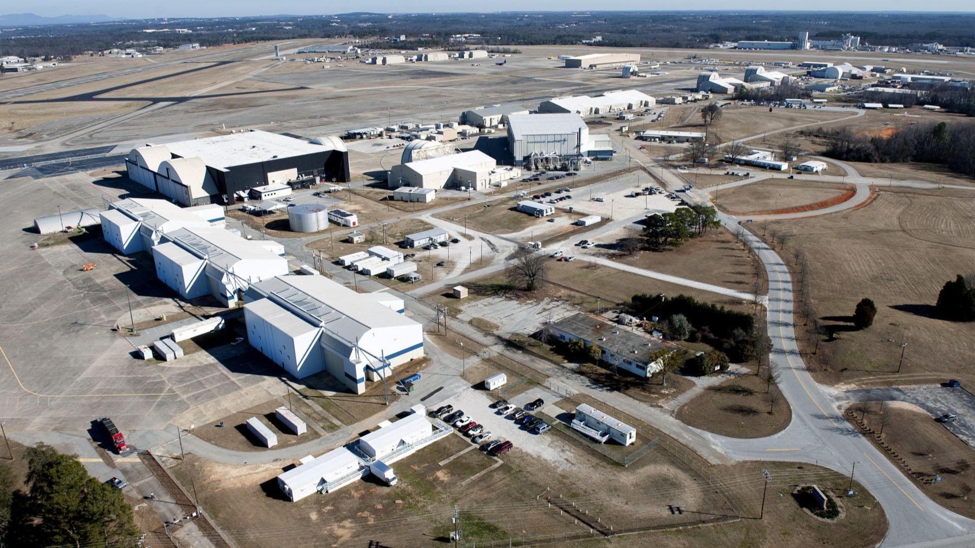 """Заводът на """"Локхийд Мартин"""", който ще произведе Ф-16 за България, е почти готов"""