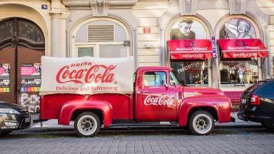 Акциите на Кока-Кола се сринаха до 11-годишно дъно