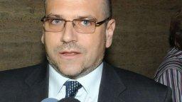 Калин Георгиев защити службите за милионите от Венецуела
