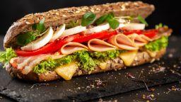 Словенски депутат подаде оставка след кражба на сандвич